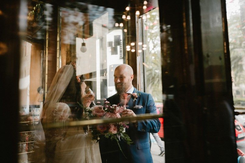 Café Iruña Boda en Bilbao Sara y Jamie Berezi Moments wedding planner