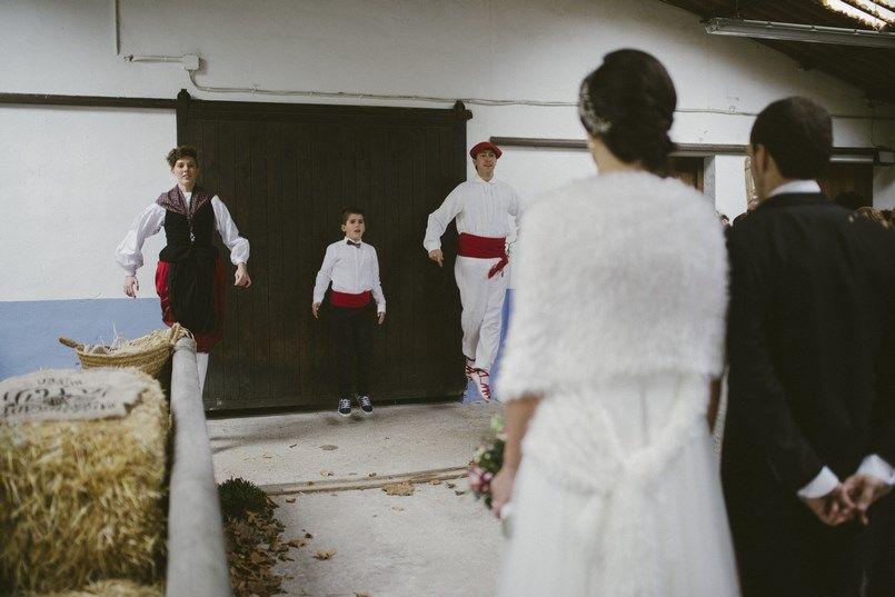 Aurresku Boda Ibana y Asier Berezi Moments wedding planner Foto Inhar Mutiozabal (17)