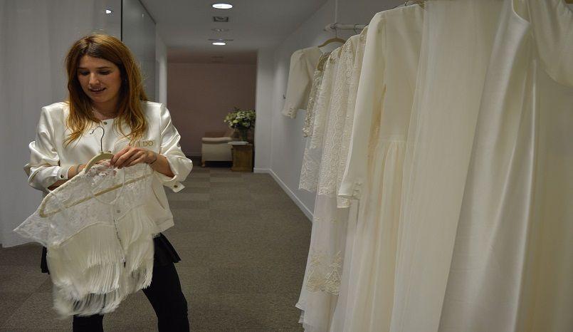 fe85bb021 Otaduy es una firma de vestidos indie que se define por crear diseños no  convencionales