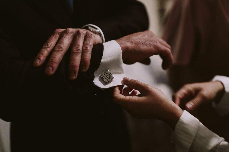 Padrino boda traje Scalpers boda Ide y Rubén Berezi Moments wedding planner