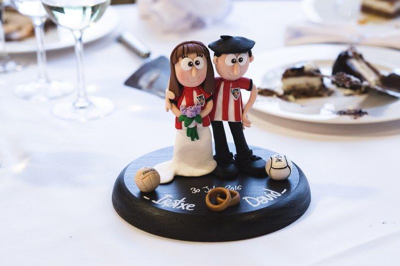 Corte de tarta Horma Ondo Boda Iratxe y David Foto María Izkue Berezi Moments wedding planner